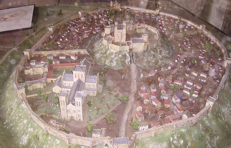 Old_Sarum_Salisbury_Cathedral_1